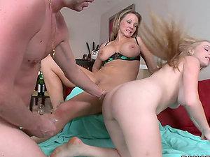 Nikki Sexx and Stacie Jaxxx having good threesome lovemaking