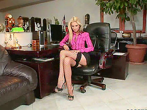 Overworked blondie gets naked on the desk