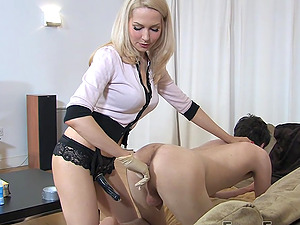 Mistress Eleise de Lacy fingers and penetrates her male slave