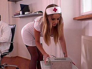 Jumping on a doctor's cock is the favorite sport of nurse Candy Alexa