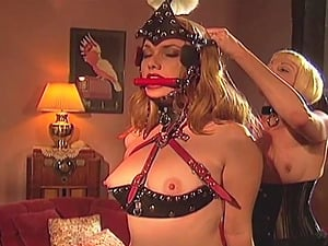 BDSM and a slave role is amazing experience with lesbian blondes