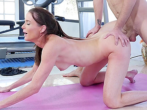 Sofie Marie wants to try every posible sex pose with a stranger at the gym