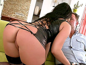 Surprise Black Penis Comes To Join Bettina DiCapri for an MMF Threesome