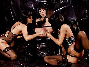 Suzie Carina and Zoe Fox enjoy lesbian threesome with one more girl