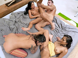 Brenna Sparks and two more girls want to have fun with horny dude