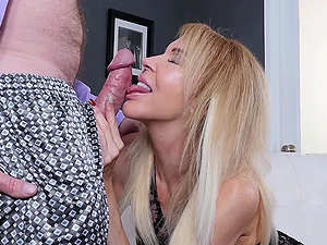 Erica Lauren gets treated to a fat cock