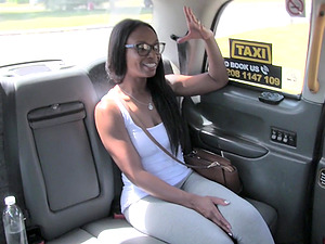 Perfect body ebony wants to show her amazing fucking skills in the car