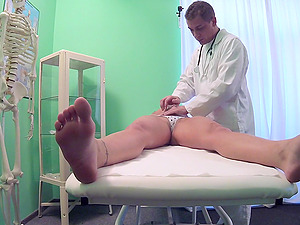 Horny doctor decides to fuck Jessica Red on the hospital bed