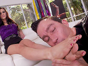 Xxx Fuck & Foot Fetishism With Hot Black-haired