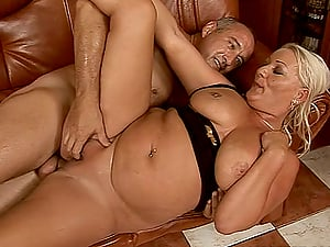 chubby mature broad rails a dick like in her golden days