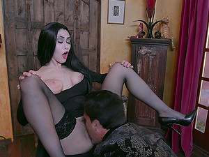 KInky and horny friends decide to surprise Kate Bloom with a group sex