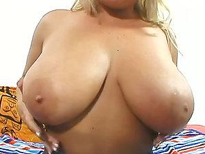 Titti Fuck And Handjob With  The Kinky Mom Rachel Love