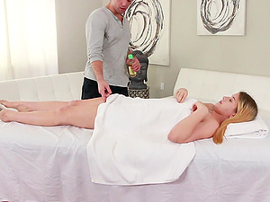 Instead of massage horny therapist enjoys Taylor Blake's pussy
