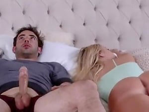 Hot sexy MILF helps her boyfriend to cum this morning