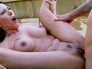 Sizzling Zoey Holloway has rough bang-out in the backyard