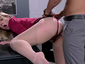Slut Lisey Sweet in nylonh stockings spreds her legs for a cock