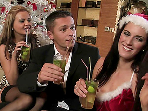 Foursome with Candy Alexa is unforgertable experience for her friends