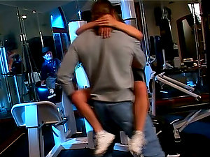 Buxomy Rebecca Love gets baled in the weight room