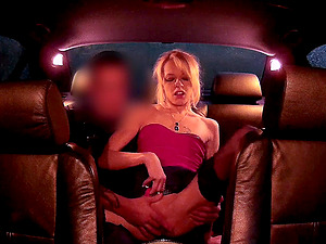 Sex in the back of the car turns into erotic video during the night