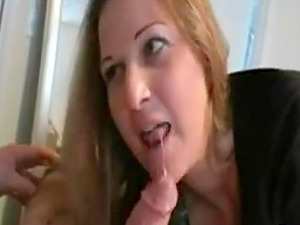 Milf fucked and works 2 dicks and makes both sperm