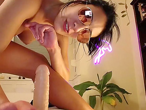 Hot American Babe From Florida Rides Big Cock