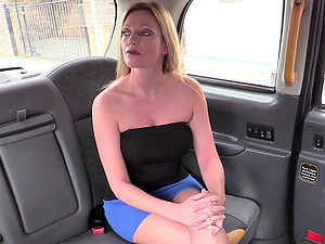 Busty Holly Kiss invited the taxi driver in the back of the cab
