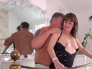 British mature lady enjoys attention of horny guy and his hard cock