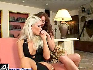 Elegant & erotic sapphic chicks gobble each others vaginas