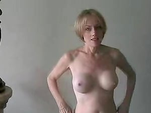Amateur gilf and sex slut Wicked Sexy Melanie at work here.