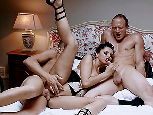 Seductive babe Kira Queen gets fucked in amazing threesome