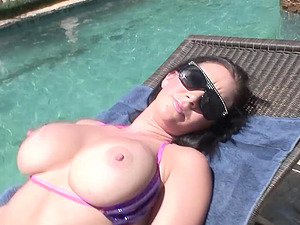 Amateur sunbathing girlfriend with big tits fucked by her lover