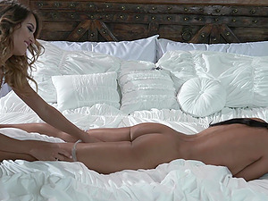 Uma Jolie spreads her legs for Layla Sin to eat her wet pussy