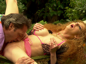 Outdoor sick sucking and pussy fucking with an older guy and Annie Body