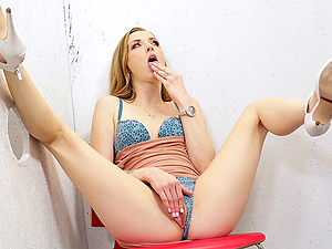 Gloryhole fun with blonde pornstar Karla Kush and a black dick