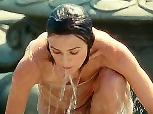 Hollywood ultra-cutie Keira Knightley dribbling in moist in her movies