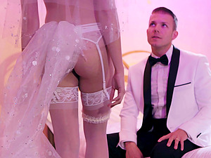Fucking right after the wedding with tempting wife Avi Love