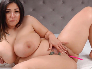 Big Tit BBW Babe Rubs and Toys Her Pussy