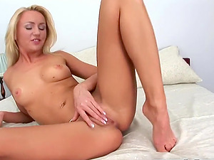 Jerk off Tight Pussy and Real Orgasm