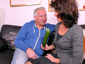 German ugly fat mature housewife cucumber fuck