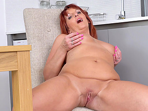 Beau Diamonds is a redheaded bombshell that excels at masturbating