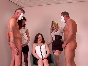 Leah Lixx and her babes playing with two small dicks in a groupie