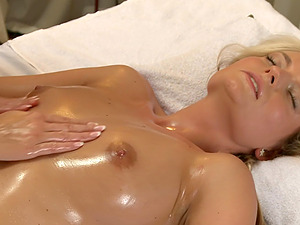 Fingering and licking between Czech models Lena Love and Lola MyLuv