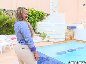 Stunning Soccer Mom Meets A Dude By The Pool
