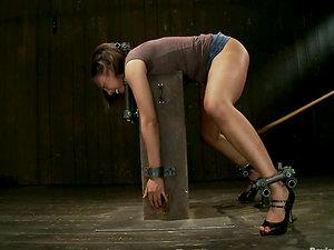 Foxy Lady Alexa Cruz Experiencing Extreme Restrain bondage in Domination & submission Clip