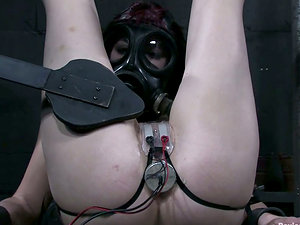 Kinky bi-atch loves a number of clothes pegs on her assets