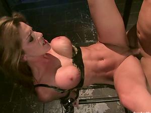 Bloodstained fucking for a sassy hook-up sub Kayla Paige