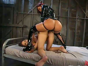 Booty doll in spandex penetrates the other chick rear end style