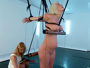 Cherry Ripped gets tormented by Lea Lexis and likes it