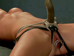 Lorelei Lee and Melissa Jacobs have fun electrified Sadism & masochism games in a cellar