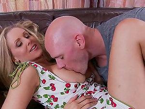 Xxx Scene With the Blonde Mummy Julia Ann